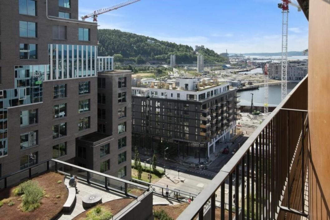 I Oslo ligger leilighetene sentralt til i områder på begge sider av Oslo S, med Teaterkvartalet på den ene siden og Barcode- og Opera-byggene og Sørenga på den andre. Foto: Bjørvika Apartments