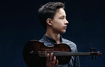 Unge fiolinvirtuos Johan Dalene opptrer med sjefdirigent Miguel Harth-Bedoya i Universitetets aula