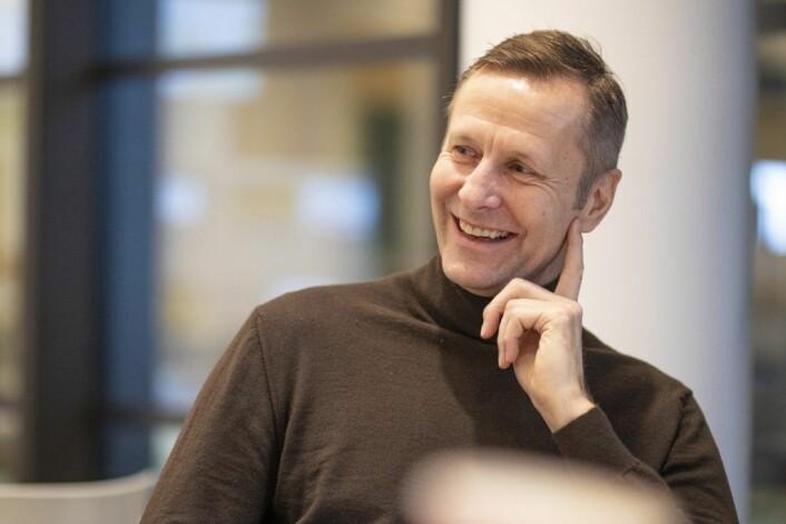 Nicolai Riise, administrerende direktør i Mad arkitekter, i et lystig øyeblikk inne på Domus Juridica. Foto: Olav Helland
