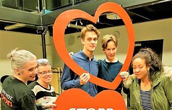 Netthets av barn og unge øker. Det vil ungdom i Oslo vest gjøre noe med