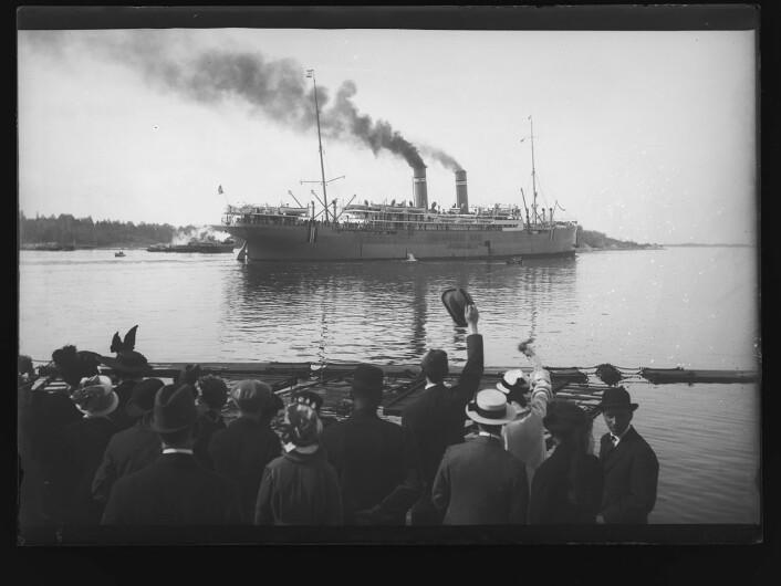 Amerikadamperen Kristianiafjord i 1916. Foto: Narve Skarpmoen/Nasjonalbiblioteket