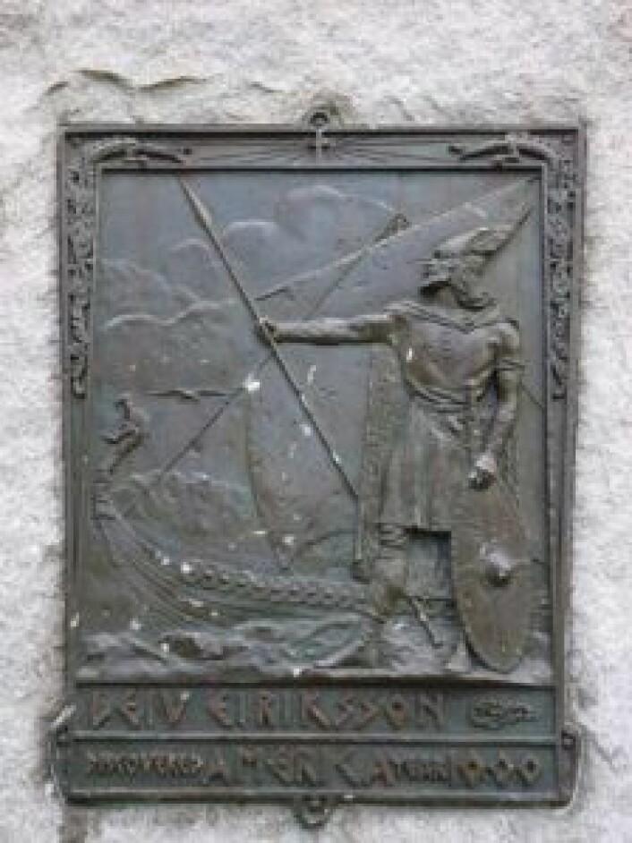 Fra runestenen på Leif Ericson Square. Foto: Kevin Walsh/Forgotten NY