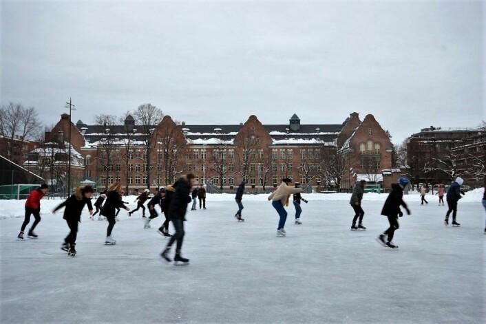 Elever fra Fagerborg skole på Sophus Bugges plass (Bayern) under en gymtime, morgenen 4. februar.