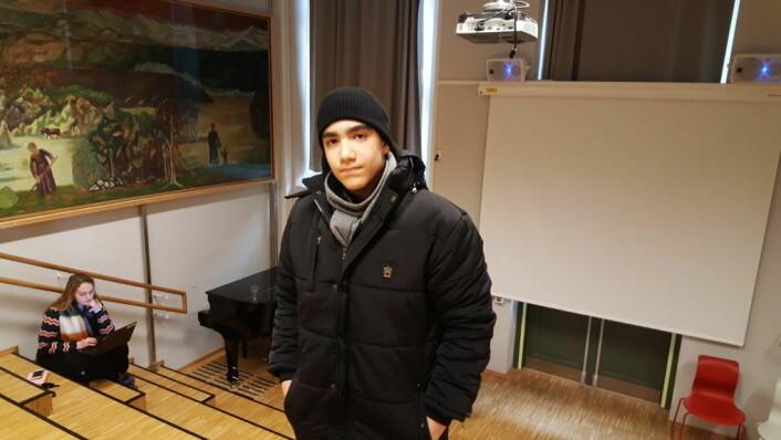 Ali Reza Aghamirzaei (14) er en av 9.-klassingene som ble undervist på Majorstuen skole, og han støtter prosjektet.