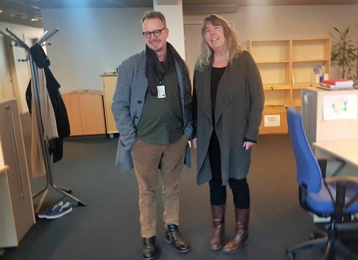 Grete Vedlog og Tor Øystein Langsholt ønsker velkommen til nye studenter ved Erfaringsskolen. Foto: Olav Helleland