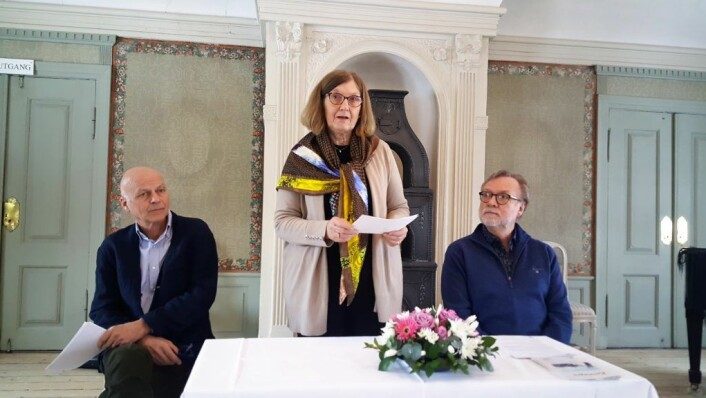 Frogner historielags leder Elisabeth Solem holder tale forut for signeringen av partnerskapsavtalen om Rehabiliteringsprisen.