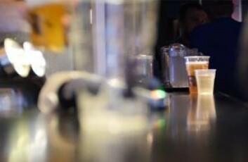 Iskald øl fra tap med vennene. Da er livet herlig. Foto: Thor Langfeldt