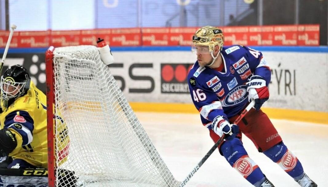 Tobias Lindtröm trives best i nærheten av motstandernes mål