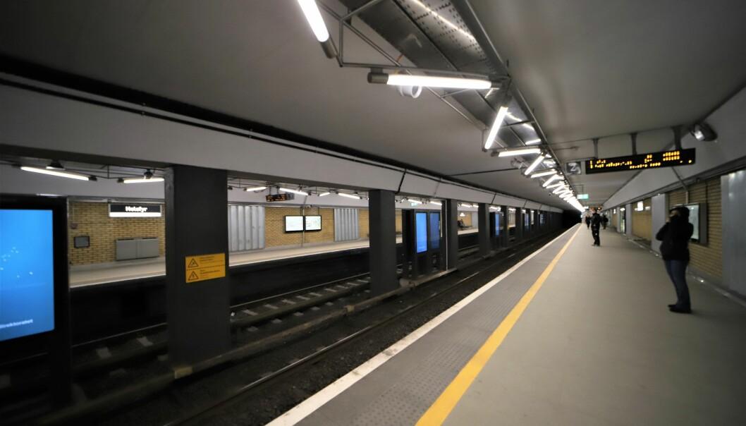 T-banen vi fra nå av åpne dørene på alle stasjonene