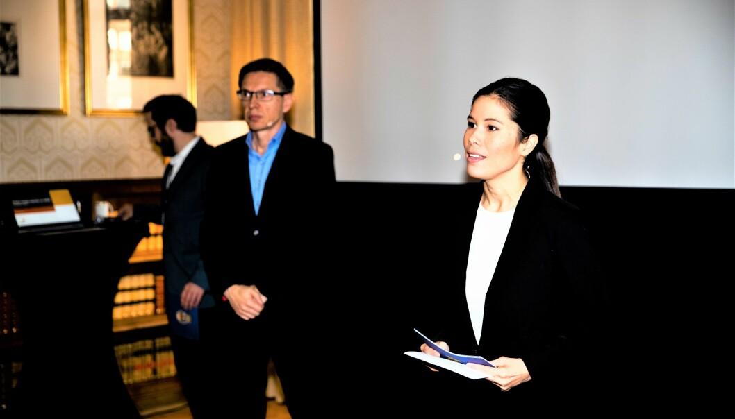 Byråd for miljø og samferdsel, Lan Marie Berg (MDG), og advokat Gunnar Holm Ringen (t.v.) i revisorselskapet PwC, under pressebrief om undersøkelse av Energigjenvinningsetaten i Oslo kommune.