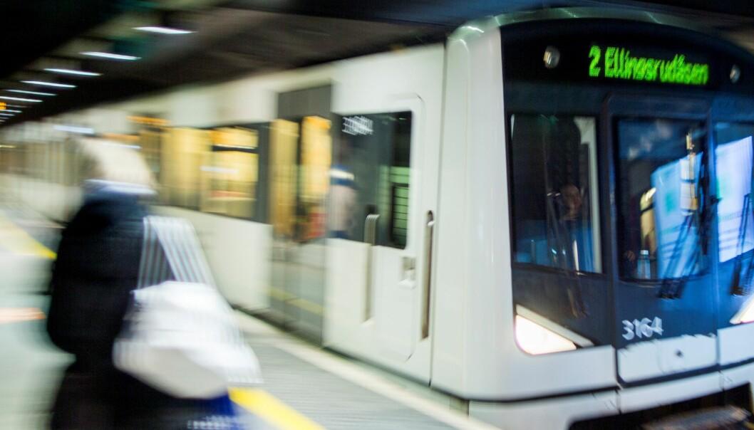 — Det er en påkjørsel som har skjedd inne i tunnelen, ikke i tilknytning til en stasjon, opplyser politiet.