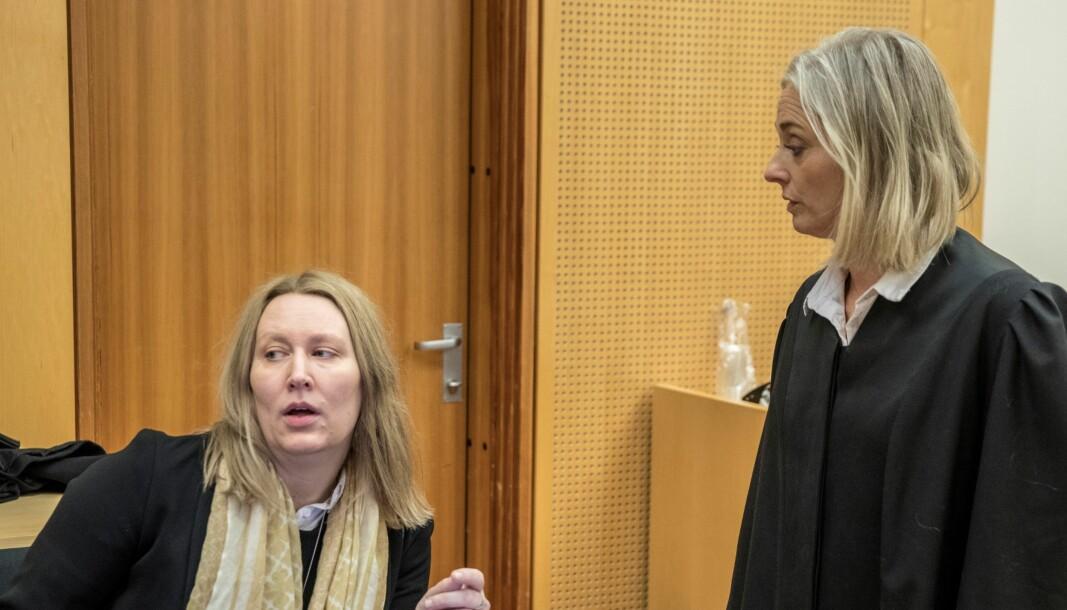 Forsvarer Elisabeth Myhre og aktor Trude Antonsen (t.h.) under rettssaken mot en 50 år gammel medie- og kultuprofil, som er tiltalt for ni voldtekter.