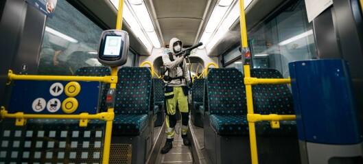 Er det trygt å reise med kollektivtrafikken nå? Hvor godt rengjøres det?