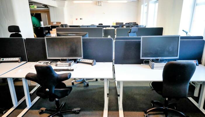 Tomme kontorer viser at de aller fleste er flinke til å holde seg hjemme.