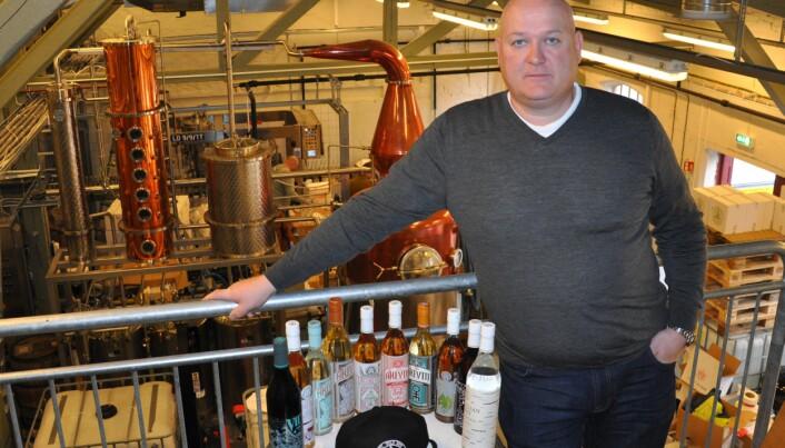 Espen Tollefsen og Oslo Håndverksdestilleri har byttet ut prisvinnende akevitt, gin og vodka med håndsprit.
