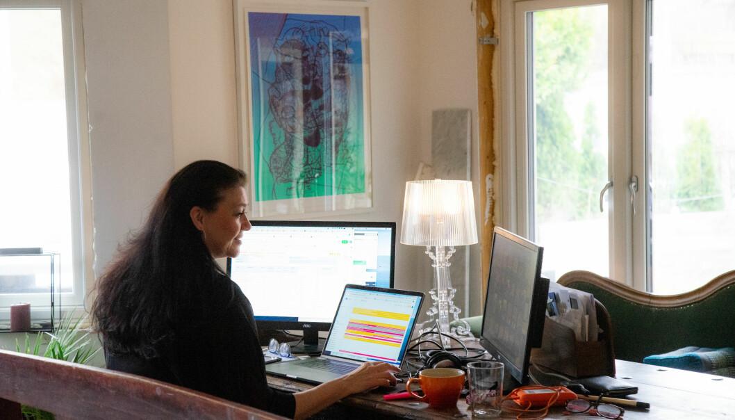 Å jobbe hjemmefra er blitt standard under koronakrisen. Medisinsk museum ber folk om å dokumentere sin koronahverdag. Materialet kan bli til en utstilling for å dokumentere samtidshistorie.