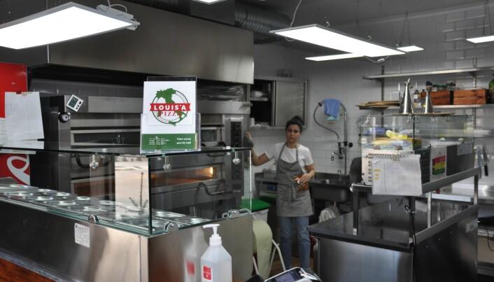 Bydelens beste pizza? Louis Pizza på Adamstuen har take away hver dag fra 16-20 unntatt mandager.