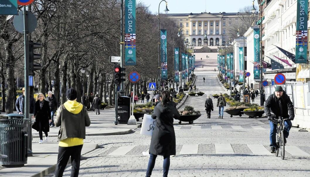 Fem personer har hittil fått forelegg fra politiet for brudd på smittevernreglene i et koronastille Oslo.