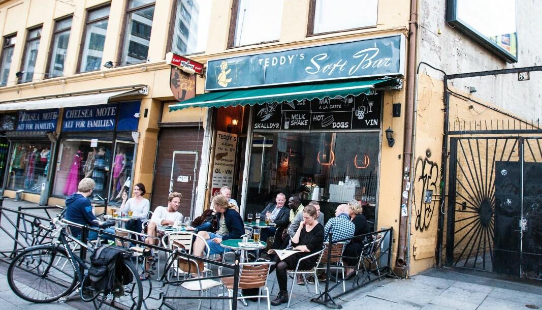 Serveringssteder, som Teddys Softbar i Brugata, kan nå få utsatt innbetalingsfrist på den kommunale gategrunnsleia.