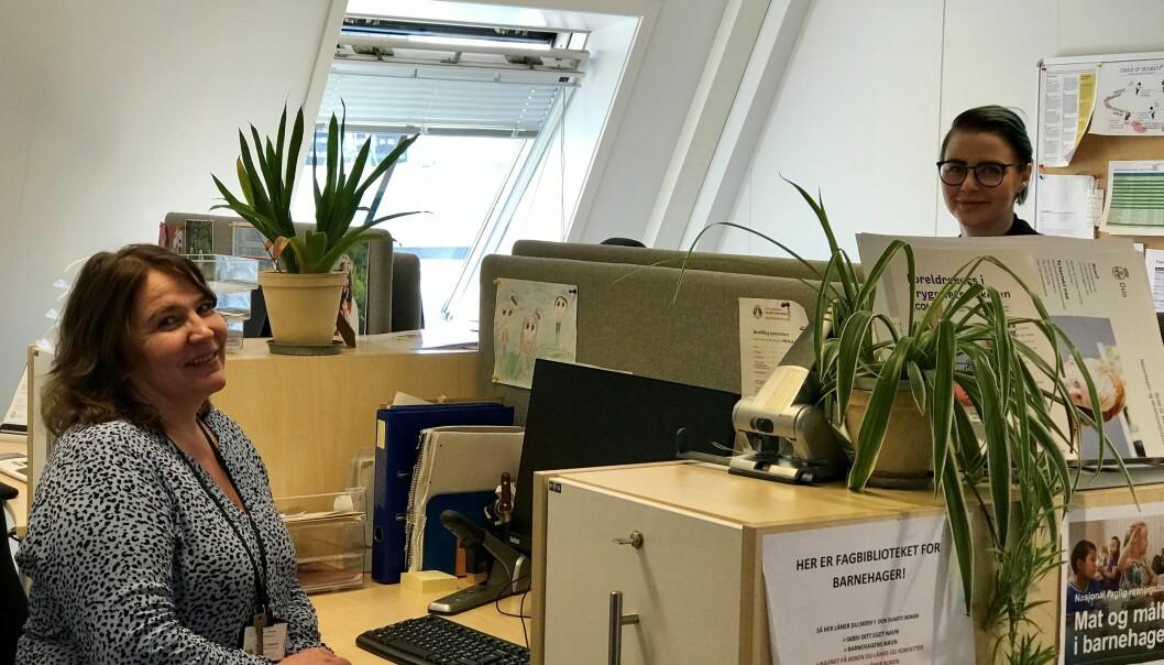 Bydelsoverlege Ingunn Haakerud i bydel St. Hanshaugen foran. Bak sitter lederen for smittevernlaget, Gunnhildur Arnadottir.