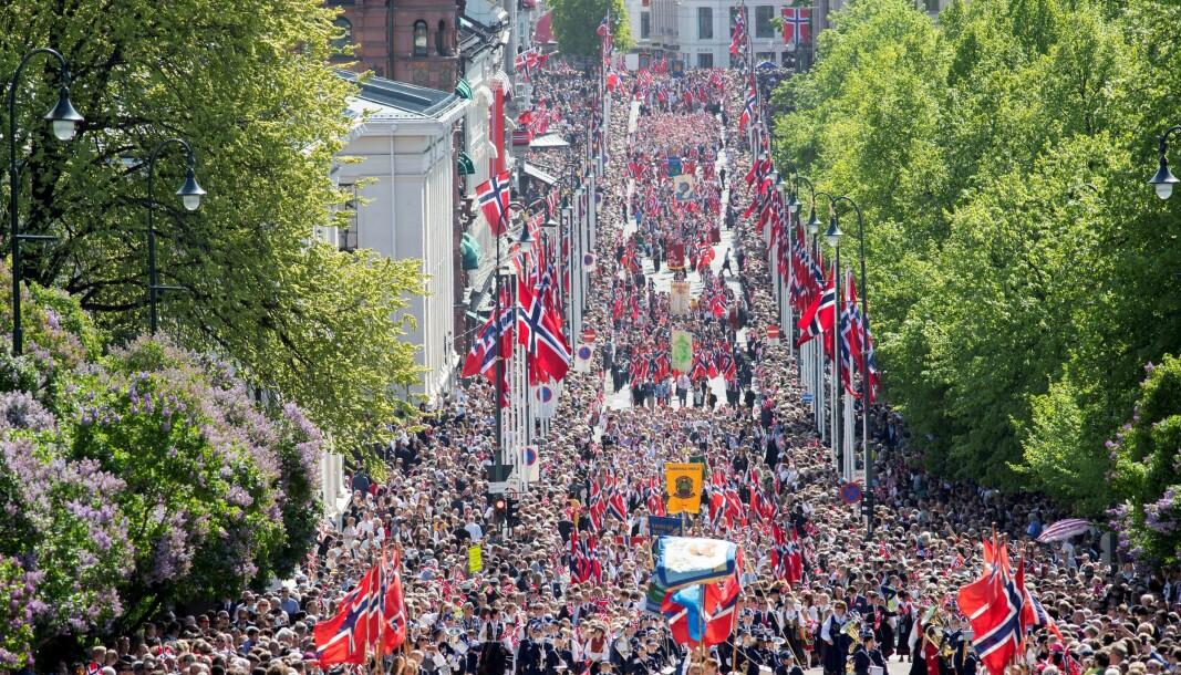 Slik så 17. mai og Karl Johans gate ut i fjor.