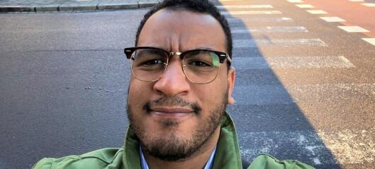 Mangfoldsbyråd Omar Samy Gamal (SV) avviser ikke at manglende informasjon på ulike språk kan ha bidratt til de høye smittetallene i Gamle Oslo