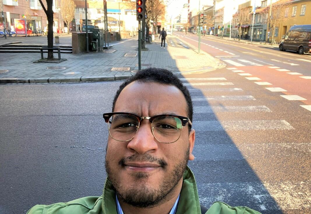 Mangfoldsbyråd Omar Samy Gamal (SV), tror det finnes flere forklaringer på at bydel Gamle Oslo ligger på smittetoppen.
