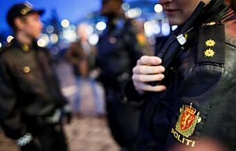 Politiet: - 10 maskerte personer observert løpende inn i en bakgård i Jens Bjelkes gate
