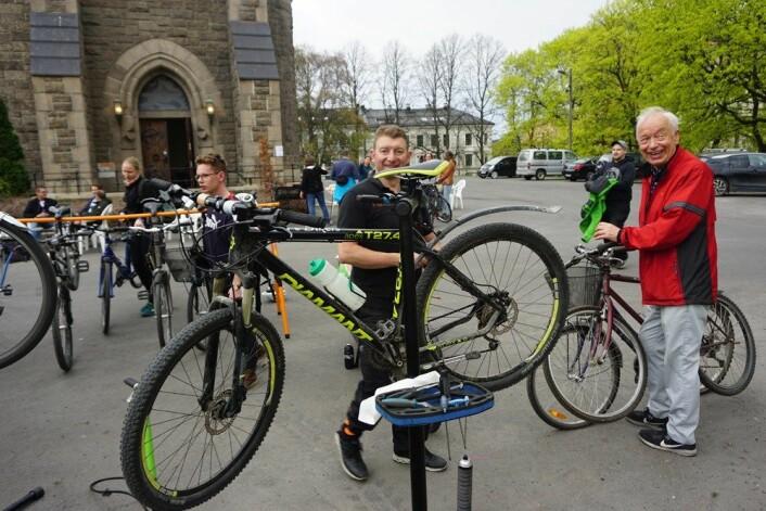 I april i fjor gjennomførte Fagerborg menighet dette sykkelverkstedet etter å ha mottatt penger fra Grønne midler. Foto: Fagerborg menighet