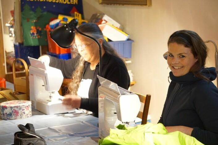 Fagerborg menighets syverksted benytter seg blant annet av to symaskiner og annet utstyr kjøpt inn med Grønne midler. Foto: Fagerborg menighet
