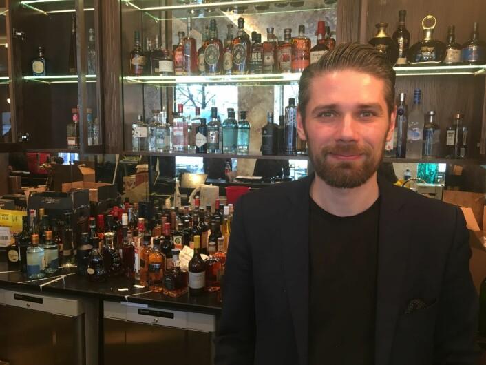 Slavomir Kytka står i spisse for et team av dyktige bartendere ved Pier 42. Foto: Vegard Velle