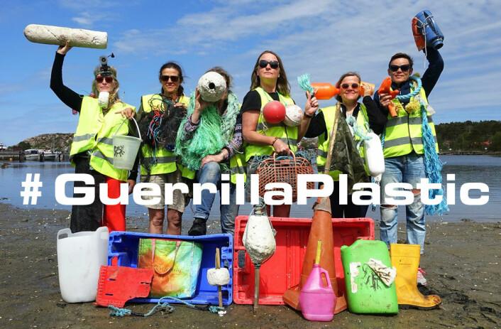 Guerrilla Plastic Movement lager kunst av havplast. Foto: Guerrilla Plastic Movement