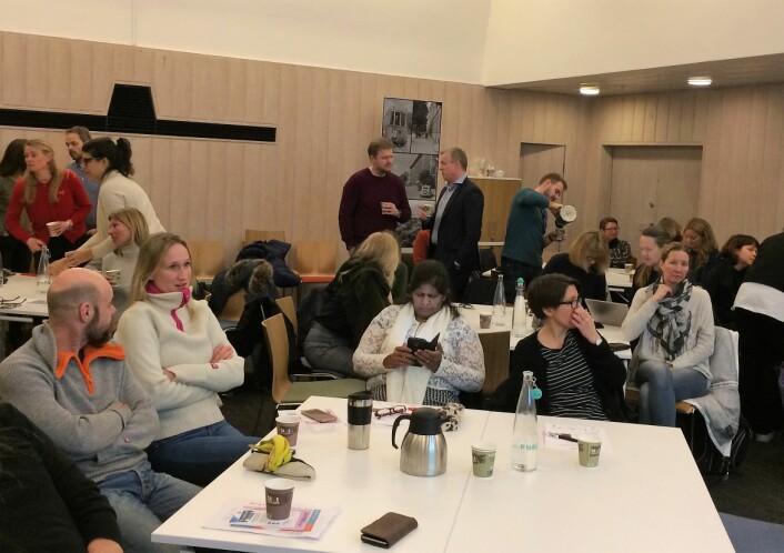 Rundt 40 foreldre møtte opp på møte i det nye bydelshuset i Bydel Frogner, for å få råd om ungdom og rus.