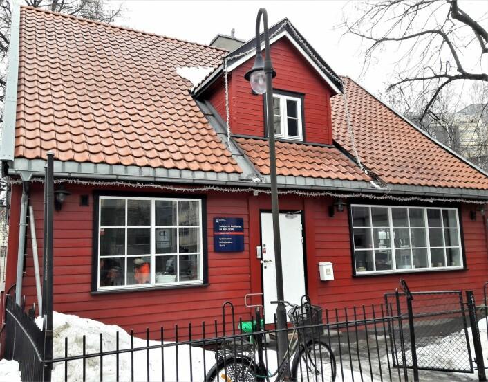 Huset til Bydelsrusken er der ungdommene møtes før arbeidsdagen. Foto: Anders Høilund