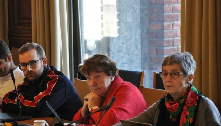 I midten sitter ordfører Mariann Borgen (SV). Hun er også medlem av utvalget som har holdt hemmelige og lukkede møter.