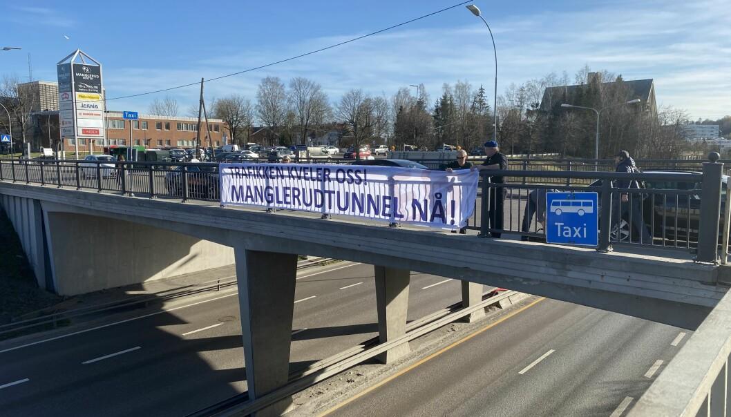 Trafikk kveler oss. Manglerudtunnel nå, krever lokalbefolkningen.