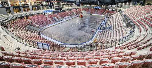 Nå mangler snart bare to lag og 5300 gale ishockeyfans på nye Jordal Amfi. Setene er montert