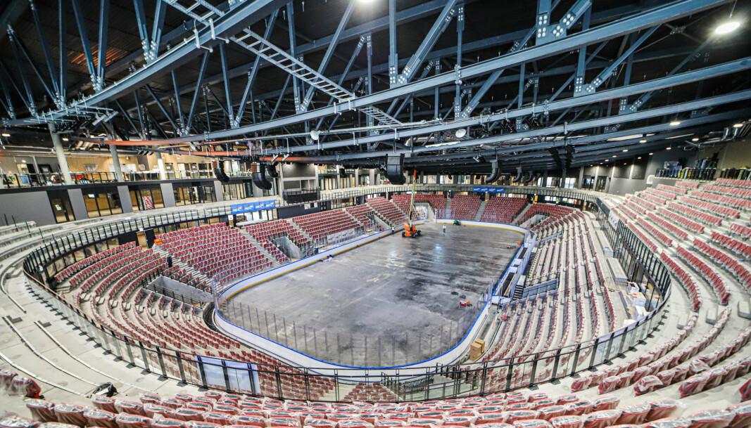 Nå mangler snart bare to lag og 5300 gale ishockeyfans på nye Jordal Amfi.