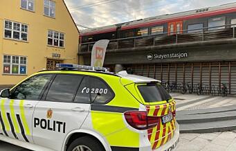 Full stopp i togtrafikken fordi en mann oppholder seg i sporet ved Skøyen stasjon