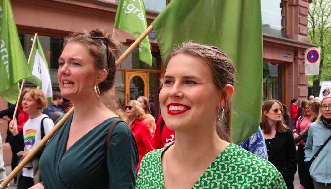 Sirin Stav (t.h.) erstatter Lan Marie Berg som Oslos nye miljø- og samferdselsbyråd. Her fra 1. mai-toget i 2019.