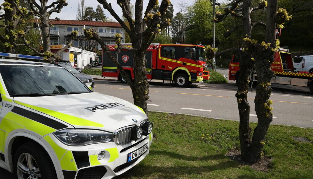 En mann omkom etter ha kommet i klem da en feiebil veltet ved Lilleaker i Oslo.