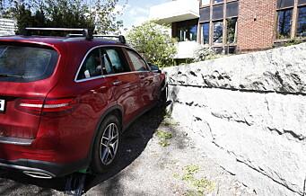 Bil kjørte inn i mur på Ljan – føreren innrømmer å ha drukket