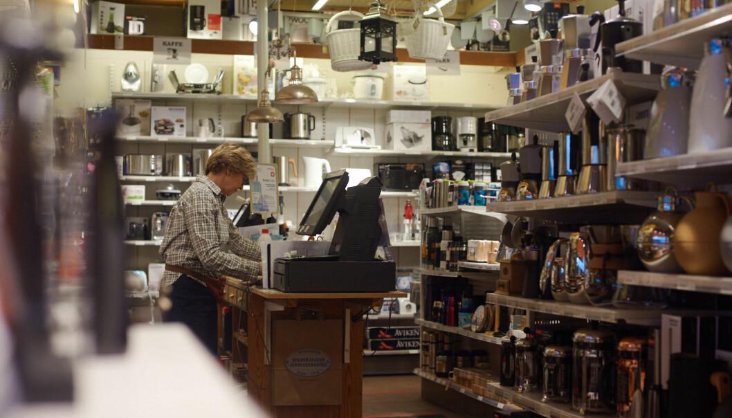 Nina Reinung har ansvaret for nettsalget i butikken.