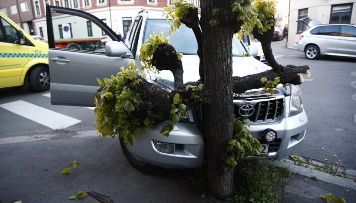 Det er ikke meldt om personskader som følge av ulykken.