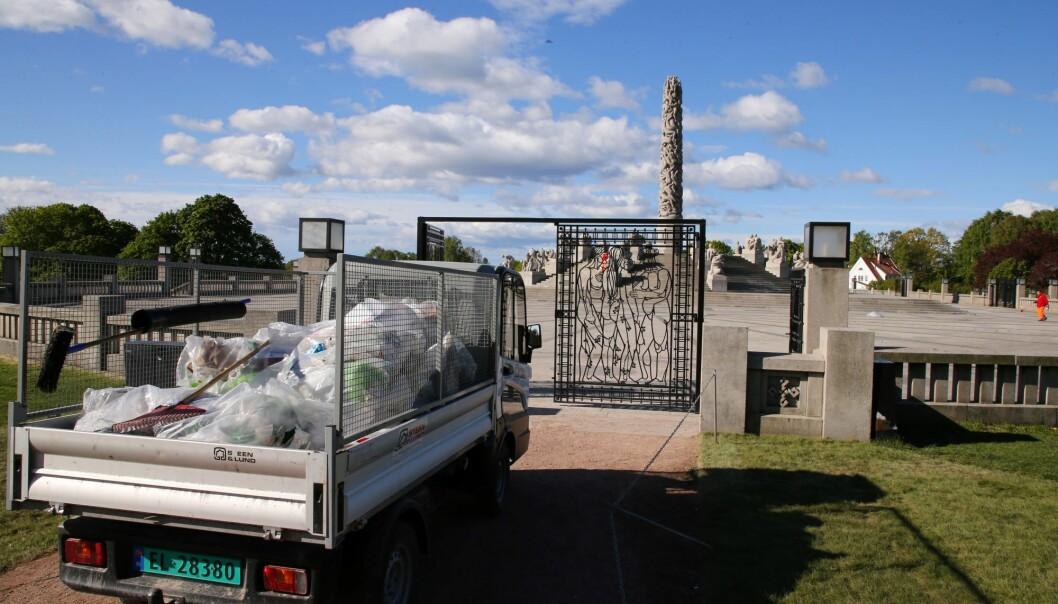 Plastsekker med søppel og glasskår var fasit etter at mellom 500 og 1.000 russ festet i Frognerparken natt til 17. mai.
