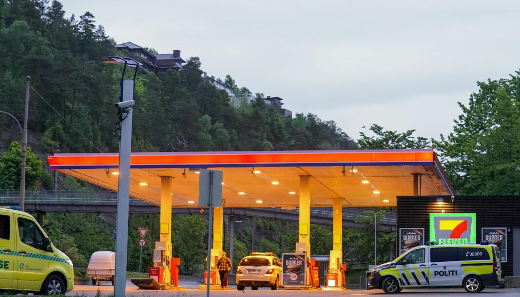 Masseslagsmålet fant sted på en bensinstasjon langs Mosseveien litt før klokken 21.