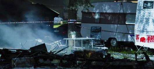 En død etter brann i campingvogn på Bogstad
