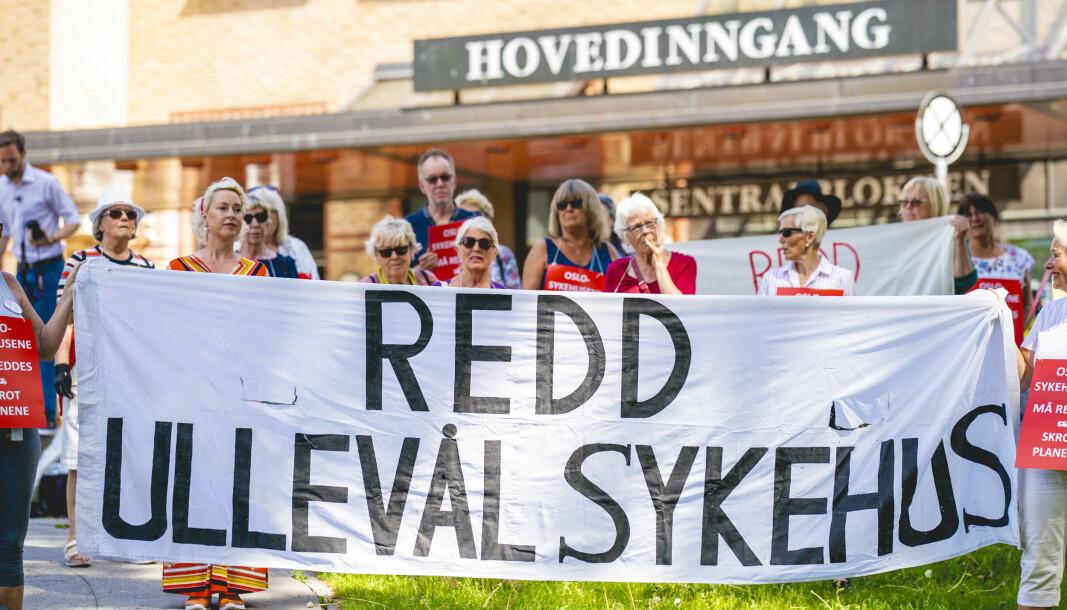 Demonstrasjon utenfor Ullevål Sykehus mot planene for nye sykehus i Oslo.