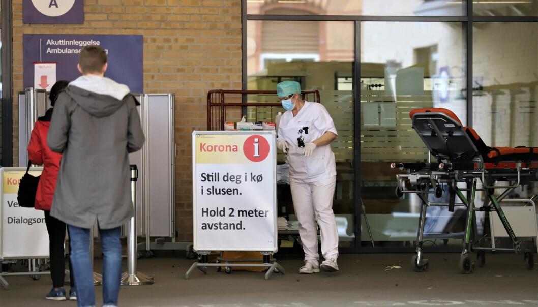 Testing og smittesporing ved et nytt koronautbrudd i Oslo kan komme til å koste hele 1,6 milliarder kroner, viser en beregning. Her fra koronamottaket på Ullevål sykehus.