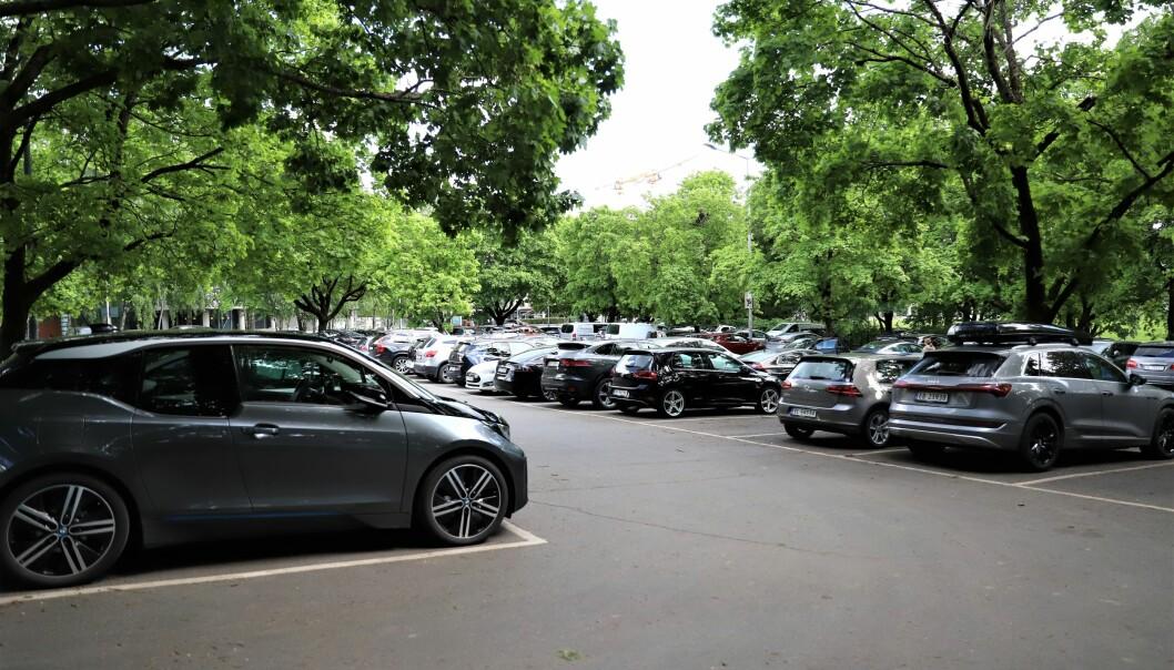 Frogner Venstre ser for seg at deler av denne parkeringsplassen i Middelthuns gate blir omgjort til aktivitetspark for unge.